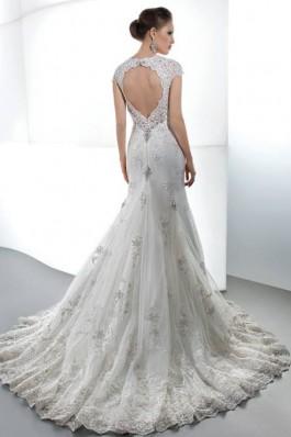 Luxusní kolekce s jemnou krajkou, šaty Demetrios...