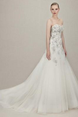 Třpytivé svatební šaty od Enzoani UK...