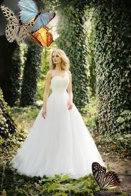 Široké svatební šaty s bohatou sukní Alpa...