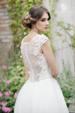 Romantické květinové tylové svatební šaty nadýchané, bílé krajka...